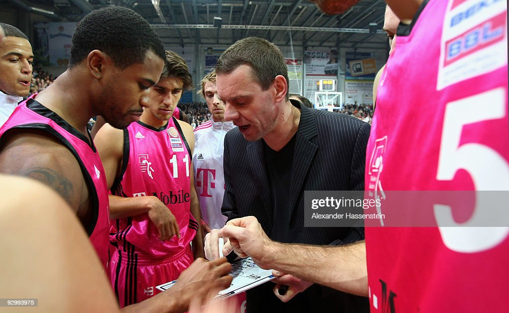 Head coach Michael Koch of Bonn gives instructions to his team prior to the Basketball Bundesliga match between Brose Baskets Bamberg and Telekom...