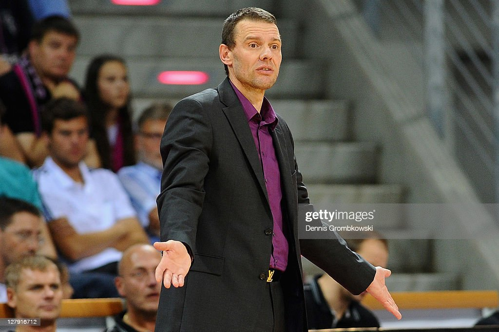 Head coach Michael Koch of Bonn reacts during the Beko BBL Bundesliga match between Telekom Baskets Bonn and FC Bayern Muenchen at Telekom Dome on...