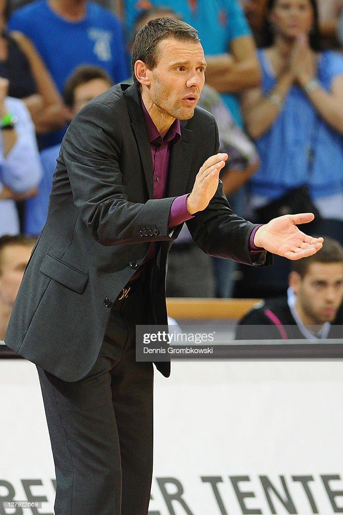 Head coach Michael Koch reacts during the Beko BBL Bundesliga match between Telekom Baskets Bonn and FC Bayern Muenchen at Telekom Dome on October 3...