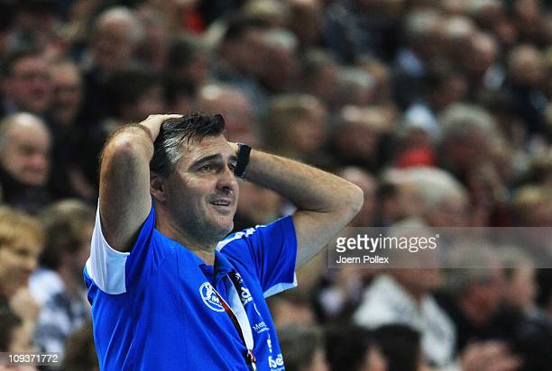 Head coach Michael Roth of Melsungen gestures during the Toyota Handball Bundesliga match between THW Kiel and MT Melsungen at the Sparkassen Arena...