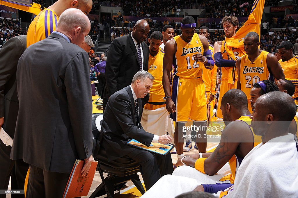 Head coach Mike D'Antoni of the Los Angeles Lakers directs his team in a timeout against the Brooklyn Nets at Staples Center on November 20, 2012 in Los Angeles, California.