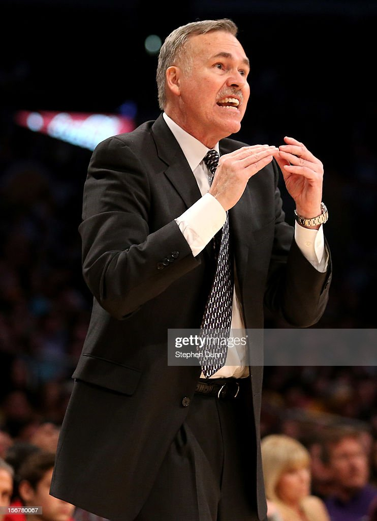 Head coach Mike D'Antoni of the Los Angeles Lakers gives instructions in the game against the Brooklyn Nets at Staples Center on November 20, 2012 in Los Angeles, California. The Lakers won 95-90.