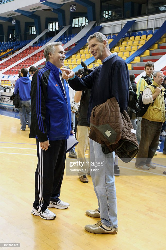 Head Coach <a gi-track='captionPersonalityLinkClicked' href=/galleries/search?phrase=Mike+D%27Antoni&family=editorial&specificpeople=203175 ng-click='$event.stopPropagation()'>Mike D'Antoni</a> of the New York Knicks talks with Vittorio Gallinari after practice on October 2, 2010 in Milan, Italy.