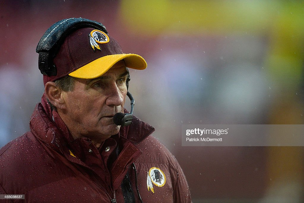 Head coach <a gi-track='captionPersonalityLinkClicked' href=/galleries/search?phrase=Mike+Shanahan&family=editorial&specificpeople=213113 ng-click='$event.stopPropagation()'>Mike Shanahan</a> of the Washington Redskins reacts on the sideline during an NFL game against the Kansas City Chiefs at FedExField on December 8, 2013 in Landover, Maryland.