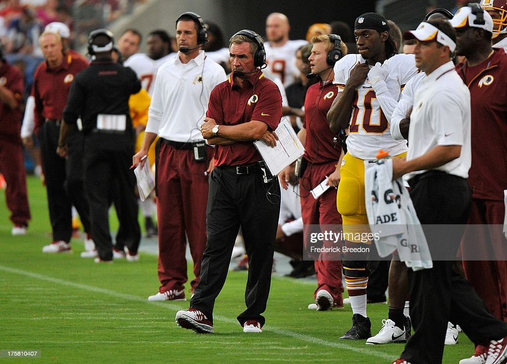 Head coach <a gi-track='captionPersonalityLinkClicked' href=/galleries/search?phrase=Mike+Shanahan&family=editorial&specificpeople=213113 ng-click='$event.stopPropagation()'>Mike Shanahan</a> of the Washington Redskins watches his team play against the Tennessee Titans during a pre-season game at LP Field on August 8, 2013 in Nashville, Tennessee.