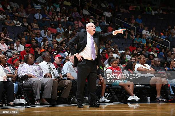 Head coach Mike Thibault of the Washington Mystics instructs his team during a game against the Phoenix Mercury on August 25 2015 at the Verizon...