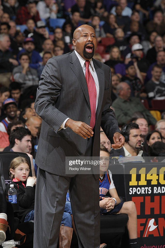 Head coach <a gi-track='captionPersonalityLinkClicked' href=/galleries/search?phrase=Mike+Woodson&family=editorial&specificpeople=213194 ng-click='$event.stopPropagation()'>Mike Woodson</a> of the New York Knicks in a game against the Sacramento Kings on December 28, 2012 at Sleep Train Arena in Sacramento, California.