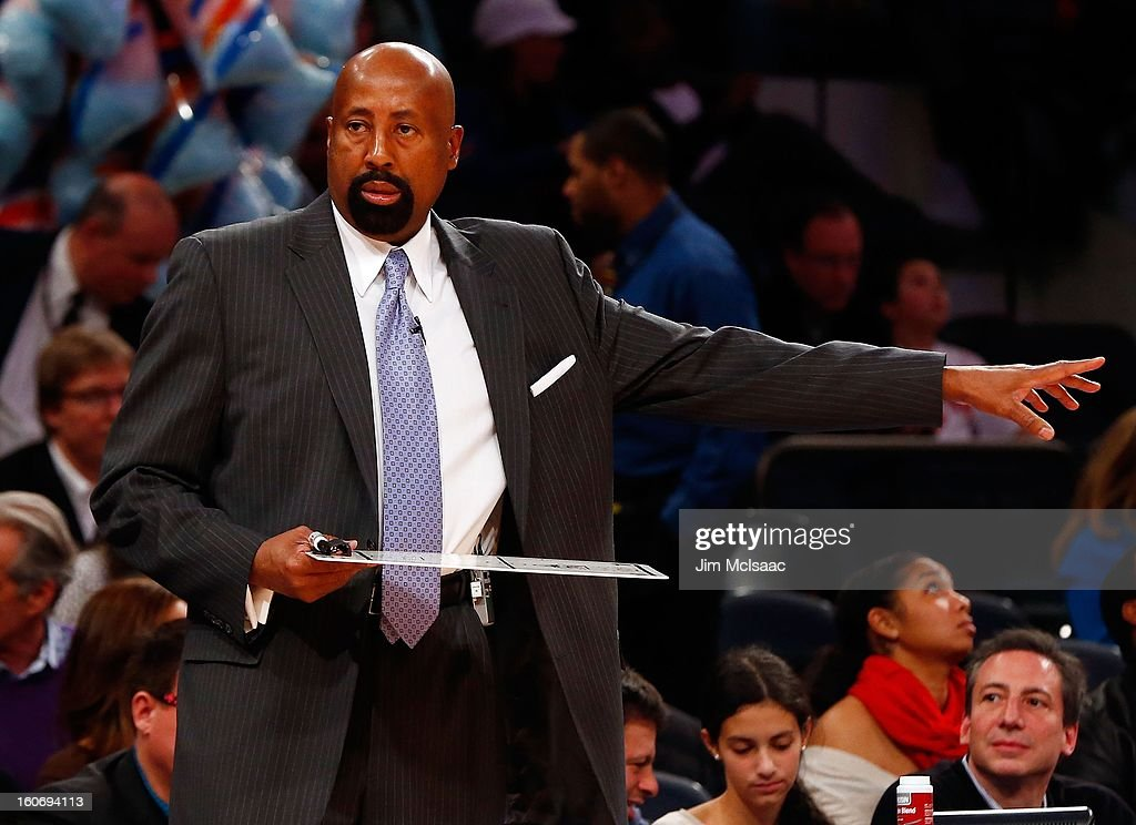 Head coach Mike Woodson of the New York Knicks in action against the Atlanta Hawks at Madison Square Garden on January 27, 2013 in New York City. The Knicks defeated the Hawks 106-104.
