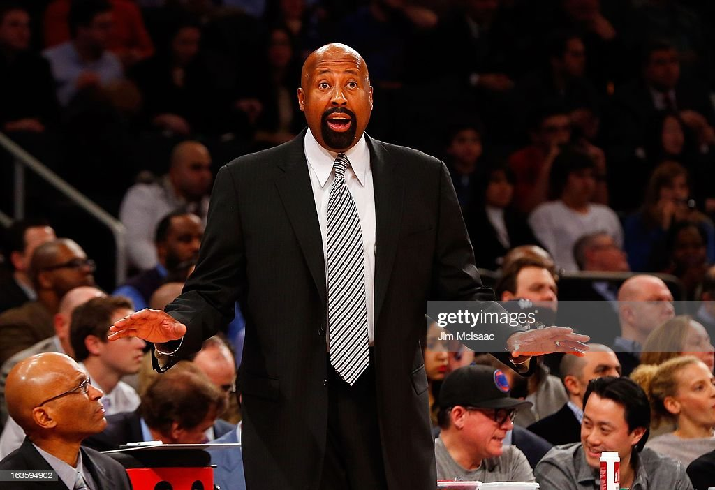Head coach Mike Woodson of the New York Knicks in action against the Detroit Pistons at Madison Square Garden on February 4, 2013 in New York City. The Knicks defeated the Pistons 99-85.