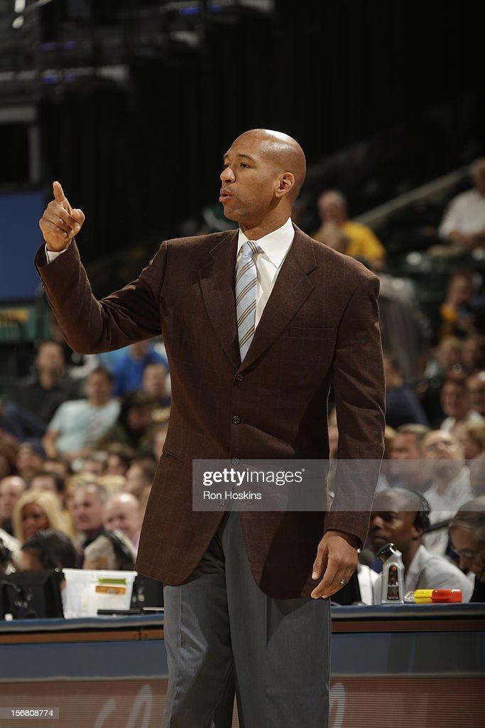 Head Coach <a gi-track='captionPersonalityLinkClicked' href=/galleries/search?phrase=Monty+Williams&family=editorial&specificpeople=220489 ng-click='$event.stopPropagation()'>Monty Williams</a> calls a play from the bench vs the Indiana Pacers # of the New Orleans Hornets on November 21, 2012 at Bankers Life Fieldhouse in Indianapolis, Indiana.