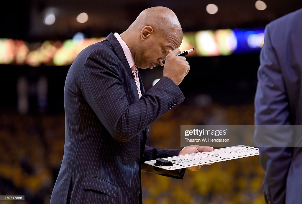 Head coach Monty Williams of the New Orleans Pelicans draws up a play for his team against the Golden State Warriors in the second quarter during the...