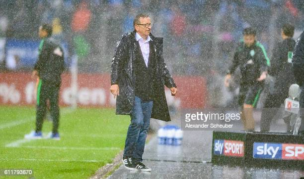Head coach Norbert Meier of Darmstadt during the Bundesliga match between SV Darmstadt 98 and Werder Bremen at Stadion am Boellenfalltor on October 1...