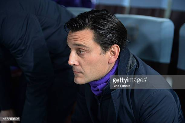 Head coach of AFC Fiorentina Vincenzo Montella looks on during the Serie A match between Udinese Calcio and ACF Fiorentina at Stadio Friuli on March...