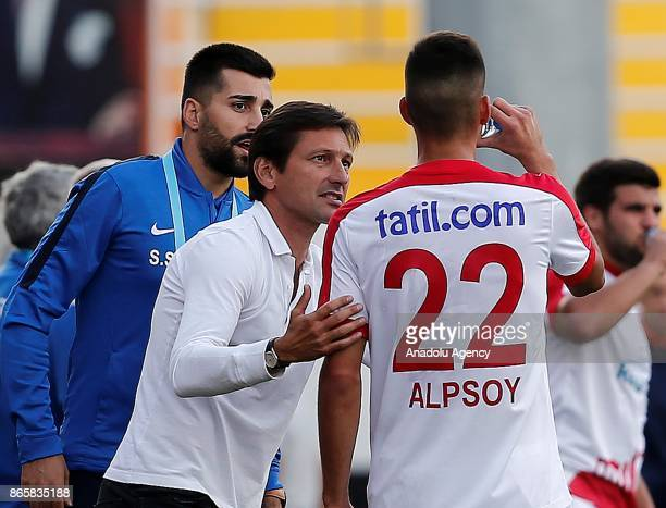 Head coach of Antalyaspor Leonardo gives tactics to his player during the 4th round of the Ziraat Turkish Cup soccer match between Etimesgut...
