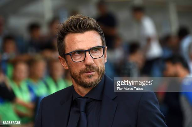 Head Coach of AS Roma Eusebio Di Francesco looks during the Serie A match between Atalanta BC and AS Roma at Stadio Atleti Azzurri d'Italia on August...