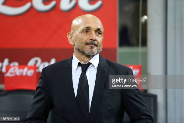 Head coach of AS Roma Luciano Spalletti looks on before the Serie A match between FC Internazionale and AS Roma at Stadio Giuseppe Meazza AS Roma...