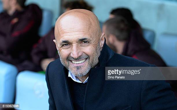 Head coach of AS Roma Luciano Spalletti looks on during the Serie A match between Udinese Calcio and AS Roma at Stadio Friuli on March 13 2016 in...