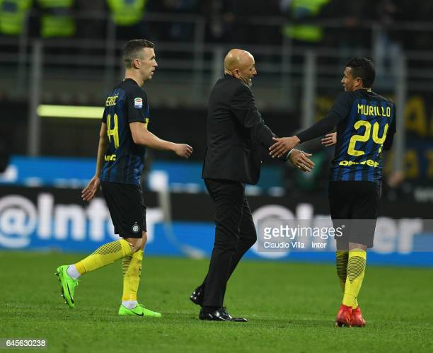 Head coach of AS Roma Luciano Spalletti speaks with Jeison Murillo of FC Internazionale during the Serie A match between FC Internazionale and AS...