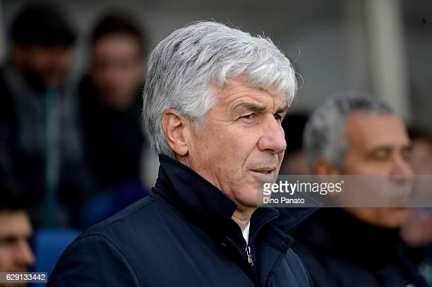 Head coach of Atalanta BC Gian Piero Gasperini looks on during the Serie A match between Atalanta BC and Udinese Calcio at Stadio Atleti Azzurri...