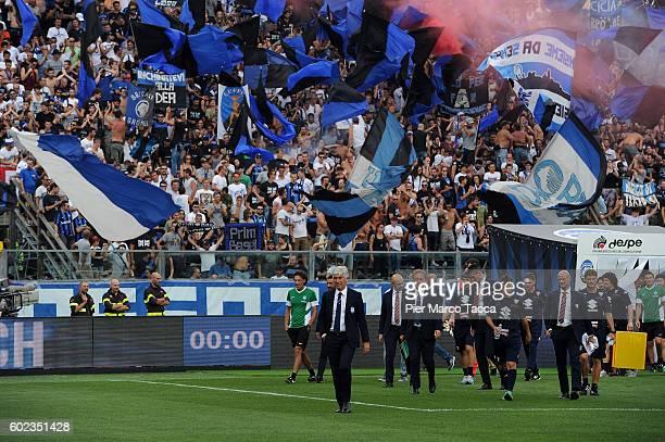 Head Coach of Atalanta BC Gian Piero Gasperini lwalks onto the pitch for the Serie A match between Atalanta BC and FC Torino at Stadio Atleti Azzurri...