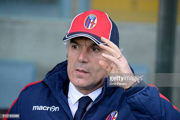Head coach of Bologna FC Roberto Donadoni looks on during the Serie A match between Udinese Calcio and Bologna FC at Stadio Friuli on February 14...