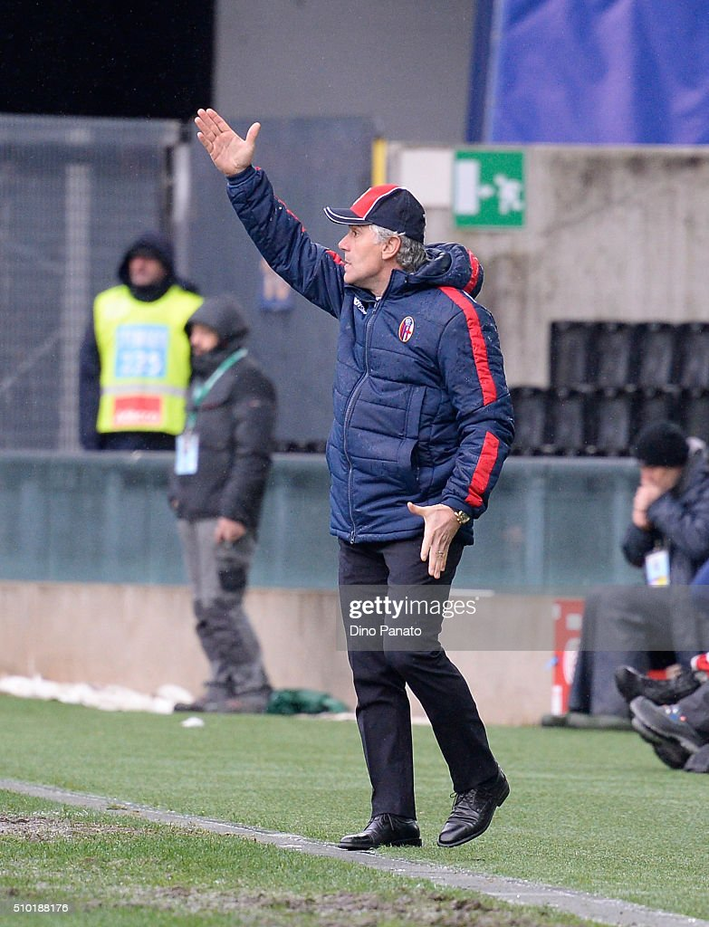 Head coach of Bologna FC <a gi-track='captionPersonalityLinkClicked' href=/galleries/search?phrase=Roberto+Donadoni&family=editorial&specificpeople=654860 ng-click='$event.stopPropagation()'>Roberto Donadoni</a> reacts during the Serie A match between Udinese Calcio and Bologna FC at Stadio Friuli on February 14, 2016 in Udine, Italy.