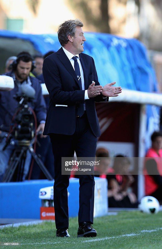 Head coach of Brescia Ivo Iaconi gestures during the Serie A match between Reggina Calcio and Brescia Calcio on May 10, 2014 in Reggio Calabria, Italy.