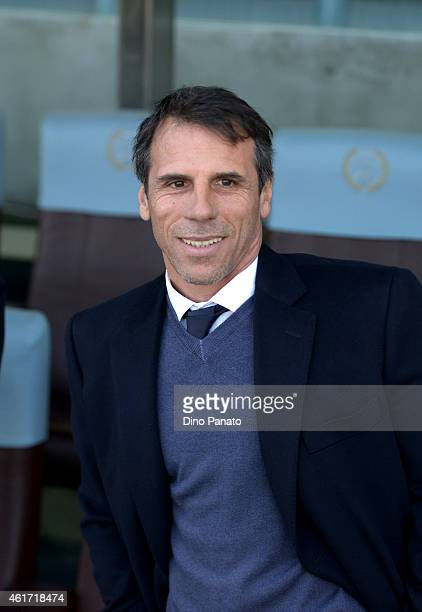 Head coach of Cagliari Gianfranco Zola looks on during the Serie A match between Udinese Calcio and Cagliari Calcio at Stadio Friuli on January 18...