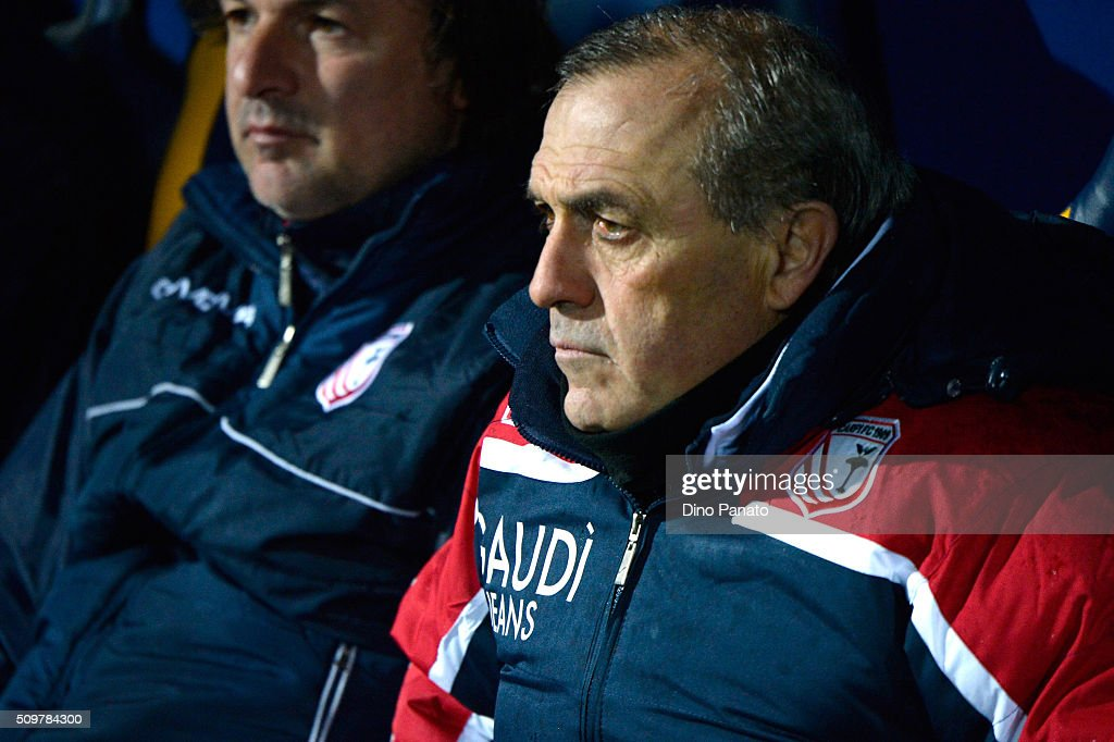 Head coach of Carpi <a gi-track='captionPersonalityLinkClicked' href=/galleries/search?phrase=Fabrizio+Castori&family=editorial&specificpeople=6339052 ng-click='$event.stopPropagation()'>Fabrizio Castori</a> looks on during the Serie A match between Carpi FC and AS Roma at Alberto Braglia Stadium on February 12, 2016 in Modena, Italy.