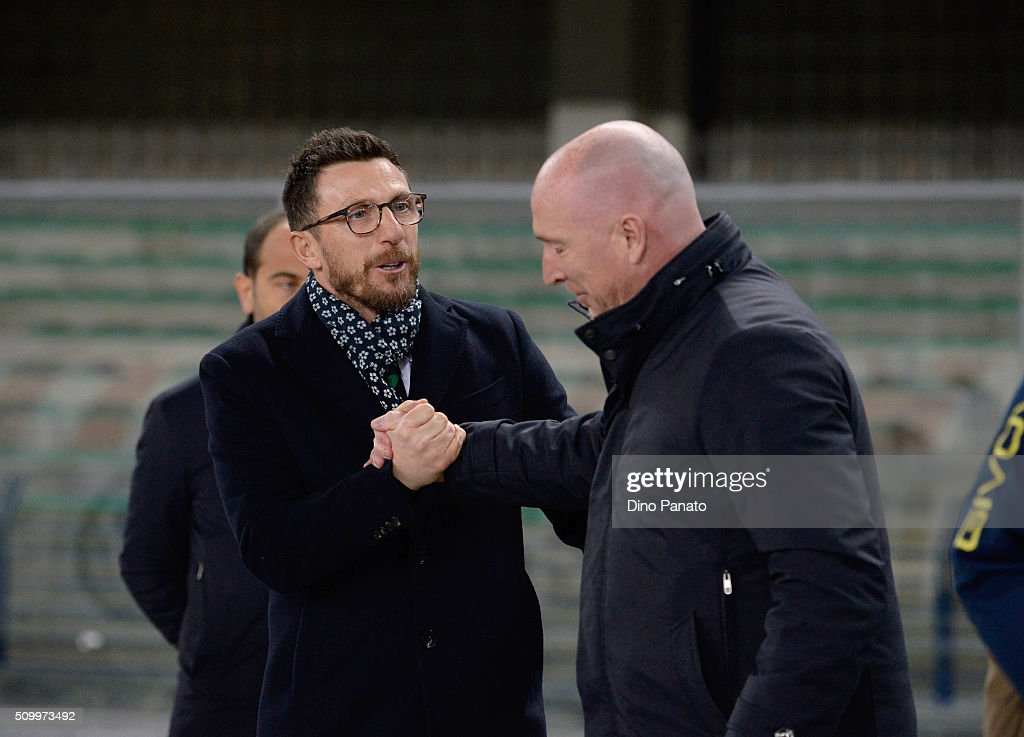 Head coach of Chievo Verona Rolando Maran (R) speakes with Head coach of US Sassuolo Eusebio Di Francesco before the Serie A match between AC Chievo Verona and US Sassuolo Calcio at Stadio Marc'Antonio Bentegodi on February 13, 2016 in Verona, Italy.