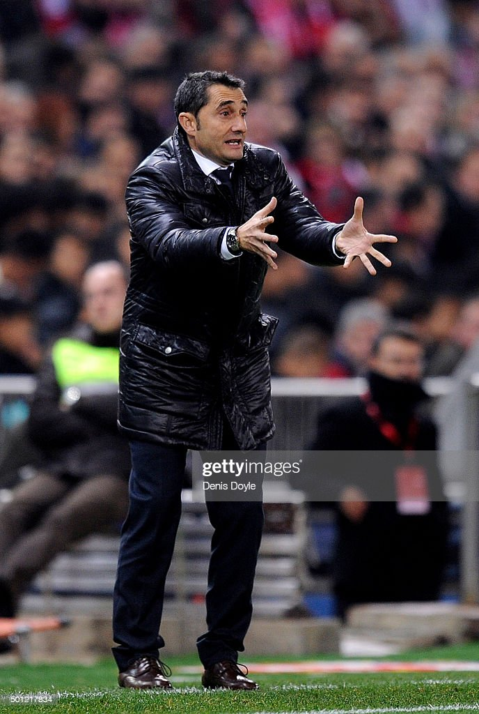 Head coach of Club Athletic <a gi-track='captionPersonalityLinkClicked' href=/galleries/search?phrase=Ernesto+Valverde&family=editorial&specificpeople=2498803 ng-click='$event.stopPropagation()'>Ernesto Valverde</a> reacts during the La Liga match between Club Atletico de Madrid and Athletic Club at Vicente Calderon Stadium on December 13, 2015 in Madrid, Spain.