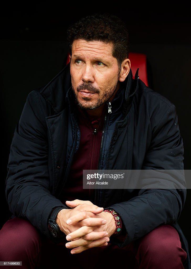 Head coach of Club Atletico de Madrid Diego Pablo Simeone looks on during the match between Sevilla FC vs Club Atletico de Madrid as part of La Liga at Estadio Ramon Sanchez Pizjuanon October 23, 2016 in Seville, Spain.