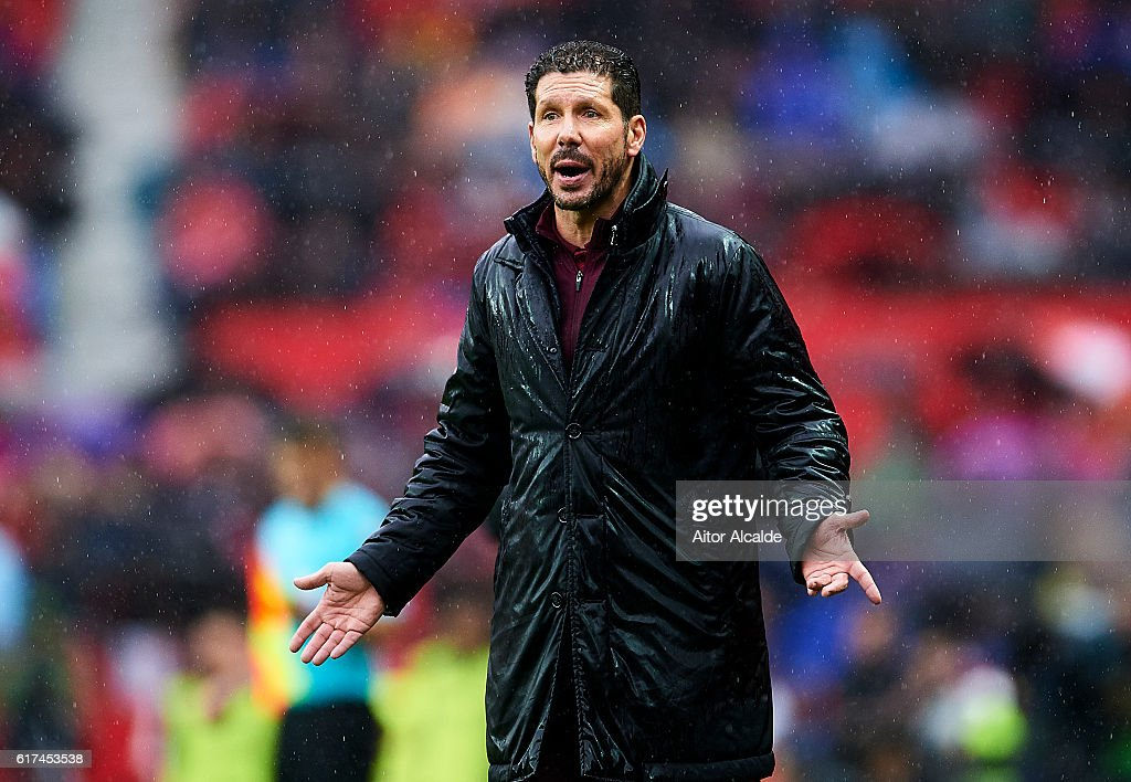 Head coach of Club Atletico de Madrid Diego Pablo Simeone reacts during the match between Sevilla FC vs Club Atletico de Madrid as part of La Liga at Estadio Ramon Sanchez Pizjuanon October 23, 2016 in Seville, Spain.