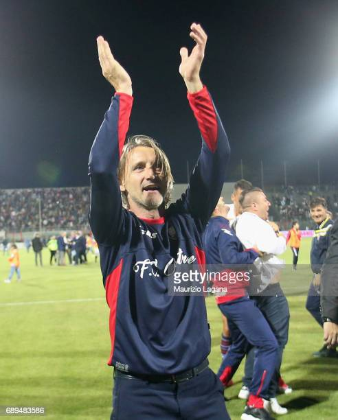 Head coach of Crotone celebtrates after the Serie A match between FC Crotone and SS Lazio at Stadio Comunale Ezio Scida on May 28 2017 in Crotone...