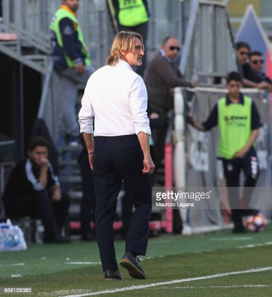 Head coach of Crotone Davide Nicola during the Serie A match between FC Crotone and ACF Fiorentina at Stadio Comunale Ezio Scida on March 19 2017 in...