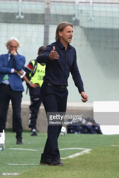 Head coach of Crotone Davide Nicola during the Serie A match between FC Crotone and Benevento Calcio at Stadio Comunale Ezio Scida on September 24...