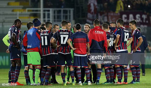 Head coach of Crotone Davide Nicola speaks with his players after the Serie A match between FC Crotone and FC Torino at Stadio Comunale Ezio Scida on...