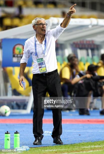 Head Coach of Egypt Hector Cuper gives tactics to his players during the 2017 Africa Cup of Nations semifinal football match between Burkina Faso and...