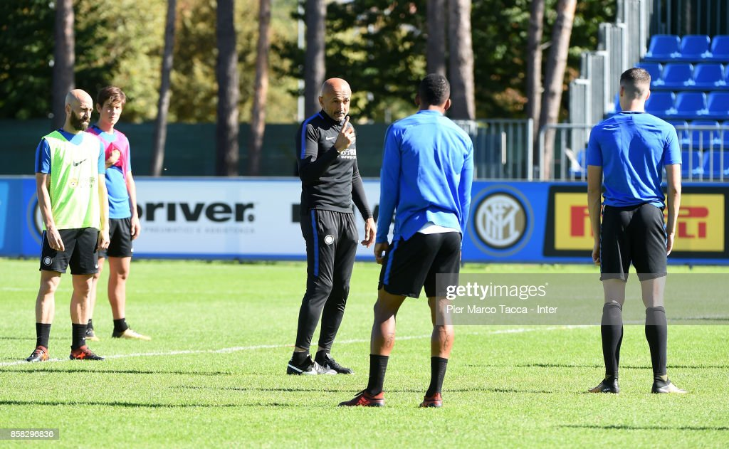 Head Coach of FC Internazionale Luciano Spalletti gestures during a FC Internazionale Training Session at Appiano Gentile on October 6, 2017 in Como, Italy.