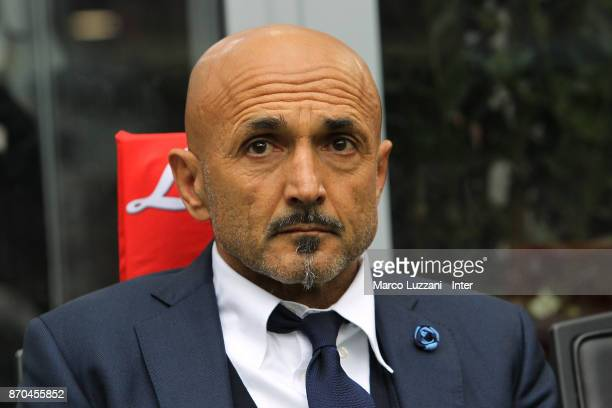 Head coach of FC Internazionale Luciano Spalletti looks on before the Serie A match between FC Internazionale and Torino FC at Stadio Giuseppe Meazza...