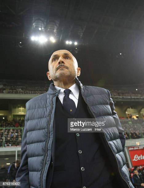 Head coach of FC Internazionale Luciano Spalletti looks on during the Serie A match between FC Internazionale and Atalanta BC at Stadio Giuseppe...
