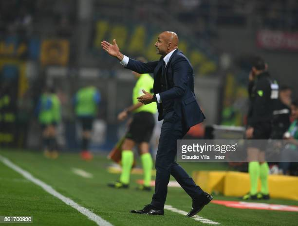 Head coach of FC Internazionale Luciano Spalletti reacts during the Serie A match between FC Internazionale and AC Milan at Stadio Giuseppe Meazza on...