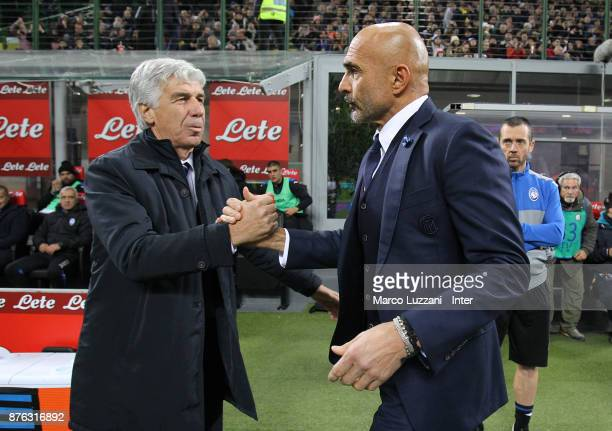 Head coach of FC Internazionale Luciano Spalletti shakes hands with head coach of Atalanta BC Gian Piero Gasperini before the Serie A match between...