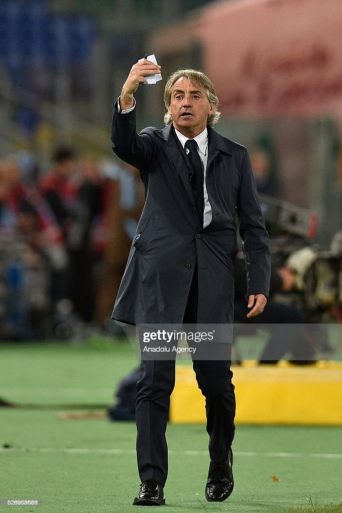 Head coach of FC Internazionale Milano Roberto Mancini looks on during the Serie A match between SS Lazio and FC Internazionale Milano at Stadio Olimpico on May 1, 2016 in Rome, Italy.