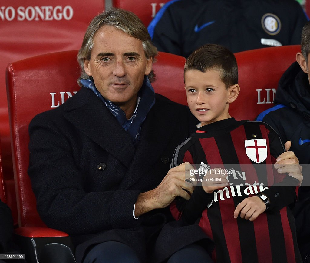 Head coach of FC Internazionale Roberto Mancini during a tournament between FC Internazionale, AC Milan and AS Bari at Stadio San Nicola on November 24, 2015 in Bari, Italy.