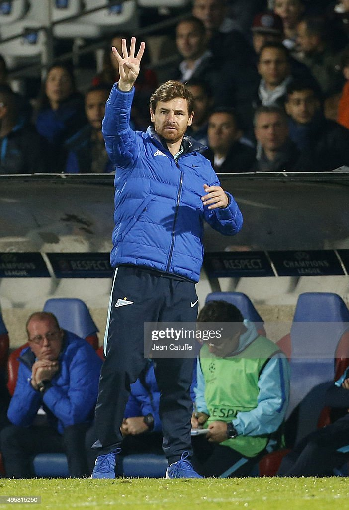 Head coach of FC Zenit Andre VillasBoas gestures during the UEFA Champions league match between Olympique Lyonnais and FC Zenit St Petersburg at...