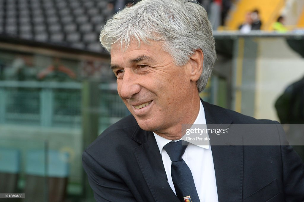 Head coach of Genoa <a gi-track='captionPersonalityLinkClicked' href=/galleries/search?phrase=Gian+Piero+Gasperini&family=editorial&specificpeople=4667555 ng-click='$event.stopPropagation()'>Gian Piero Gasperini</a> looks on during the Serie A match between Udinese Calcio and Genoa CFC at Stadio Friuli on October 4, 2015 in Udine, Italy.