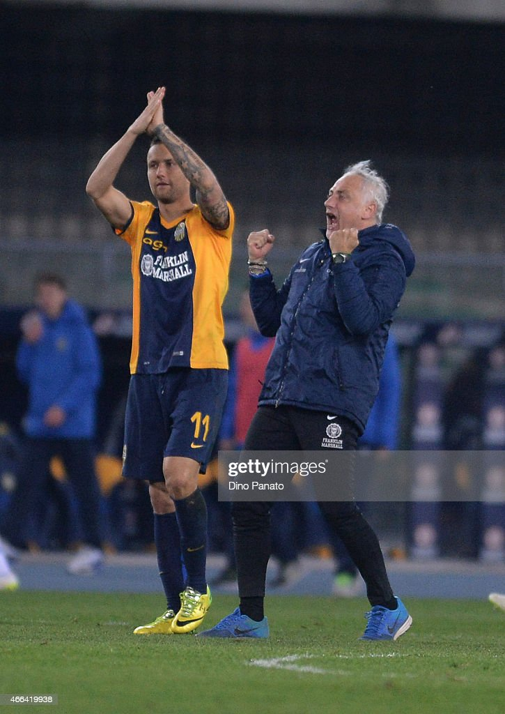 Head coach of Hellas Verona FC Andrea Mandorlini celebrates victory after the during the Serie A match between Hellas Verona FC and SSC Napoli at Stadio Marc'Antonio Bentegodi on March 15, 2015 in Verona, Italy.
