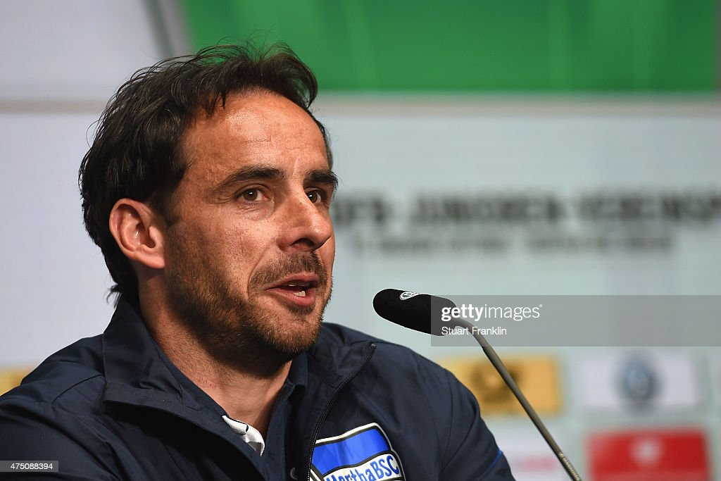 Head coach of Hertha BSC U19 Michael Hartmann talks to the media at Olympiastadion on May - head-coach-of-hertha-bsc-u19-michael-hartmann-talks-to-the-media-at-picture-id475088394