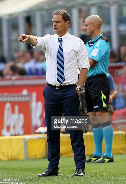 Head coach of Inter Frank de Boer gestures during the Serie A match between FC Internazionale and Bologna FC at Stadio Giuseppe Meazza on September...